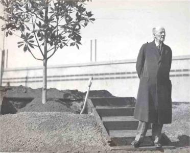 Paul harris plants a tree in shanghai 1935